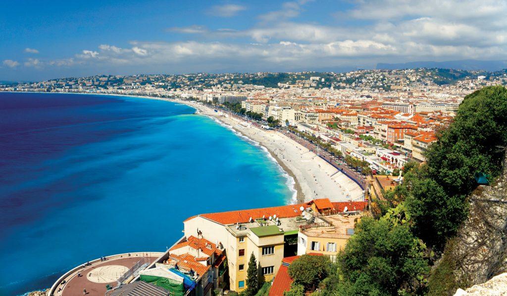 mer et plage à Nice, promenade des anglais